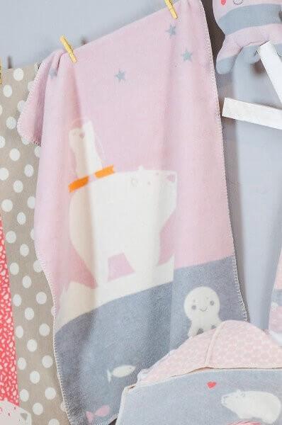 Babydecke Mila Eisbär Pinguin rosa 75x100 cm, David Fussenegger